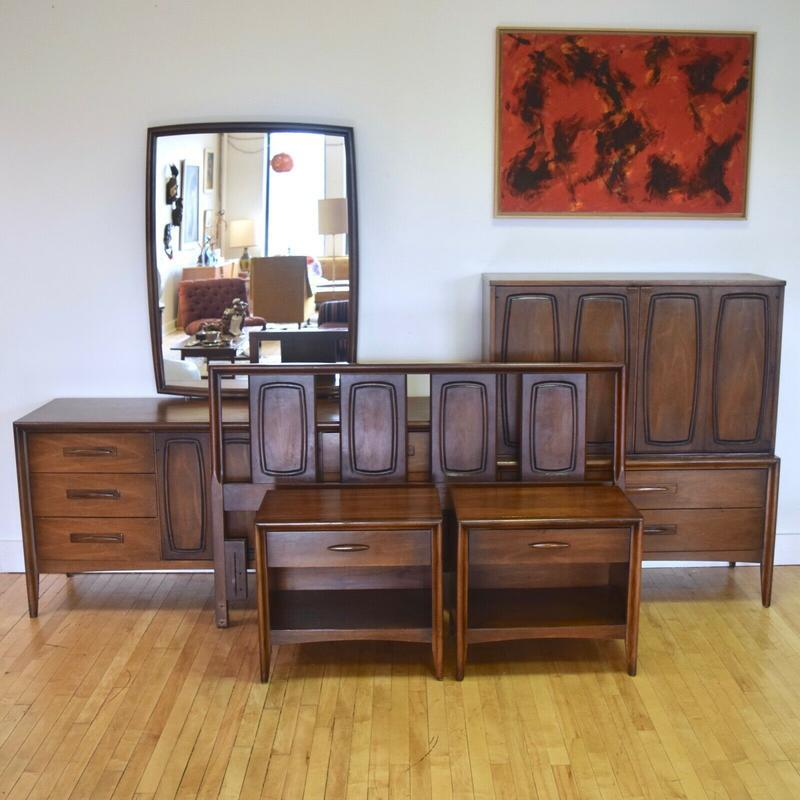 reputable site 6153a 39ce5 Broyhill Emphasis Queen Bedroom Set / Dressers / Headboard ...